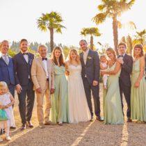 Gruppenfoto an Hochzeit